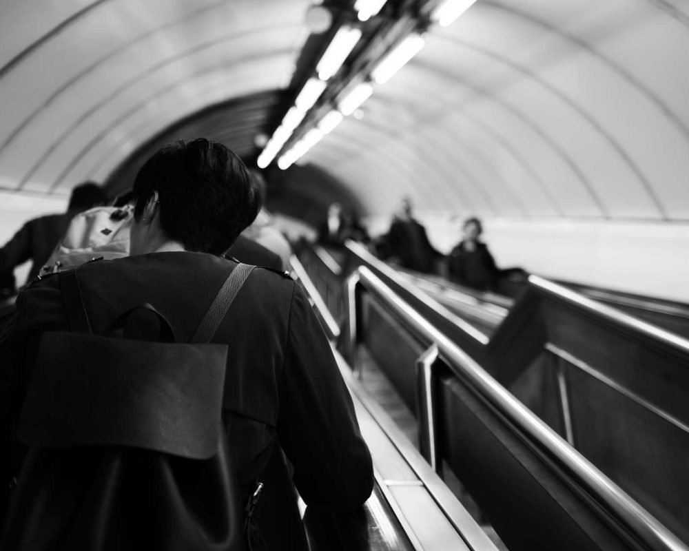 escalator-backpack-2000px-bw
